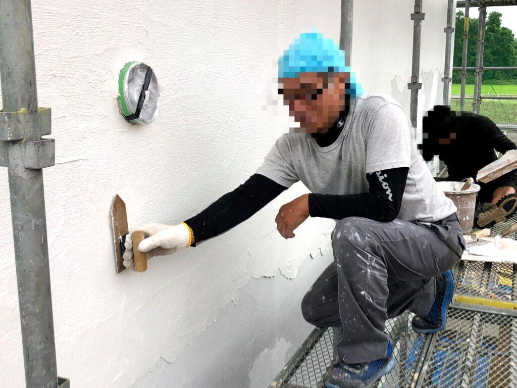 【栗原市 C様邸 新築工事】左官工事:外壁漆喰仕上